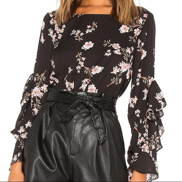 BB Dakota Tops - BB Dakota JACK floral top. Size L (fits like a M)
